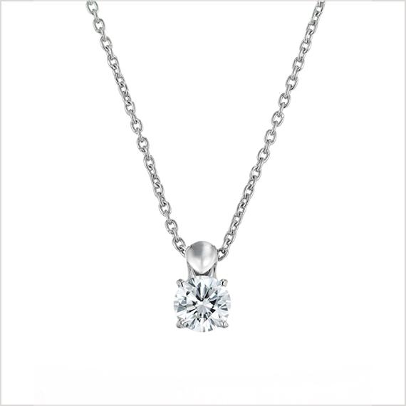 揺れるダイヤモンドジュエリー